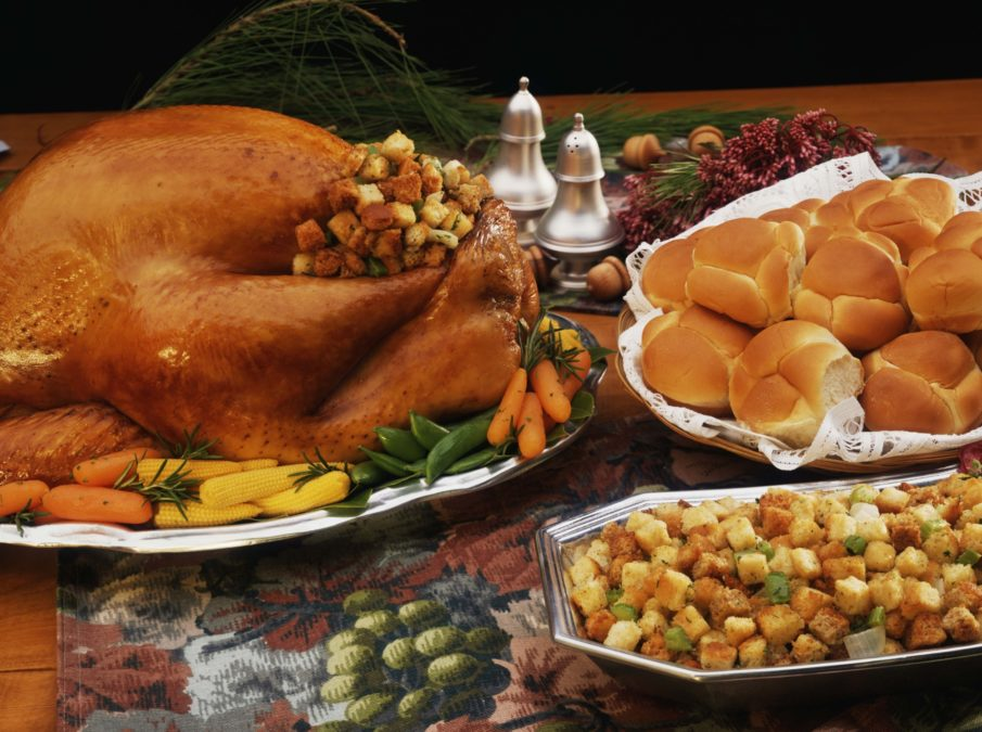 10 TIPS & TRICKS FOR A HARMONIOUS THANKSGIVING
